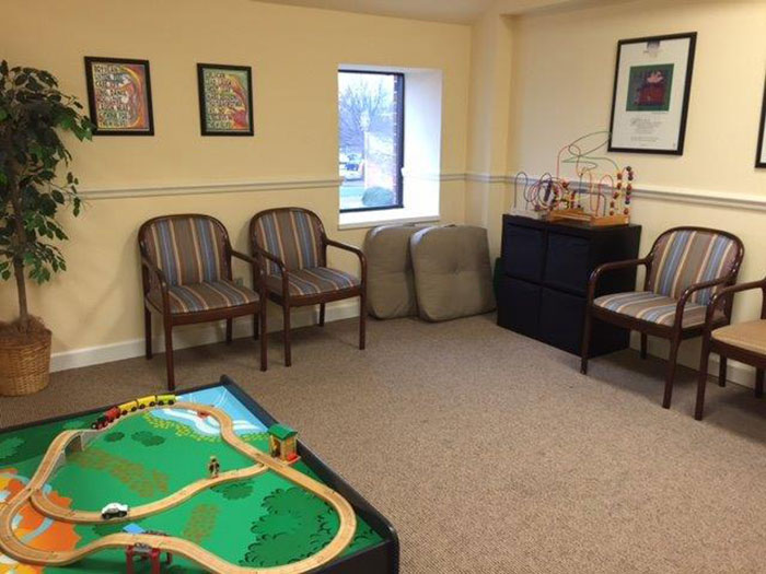 Hickory Waiting area-playroom